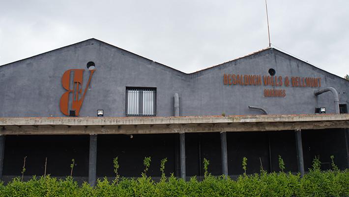 Recuperar la memòria vitivinícola. Bodegues Besalduch, Valls & Bellmunt. Centre d'Interpretació del Vi de Sant Mateu